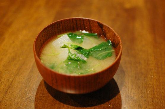 大根と三つ葉の味噌汁