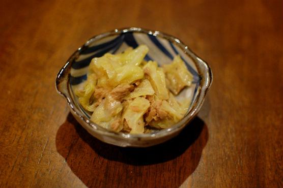 キャベツとツナの蒸し煮
