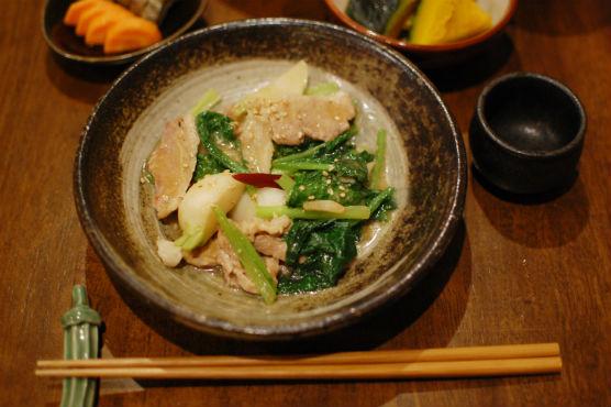 蕪と豚肉の味噌炒め