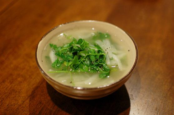 大根と豆苗のスープ