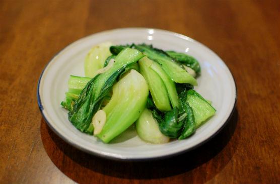 青梗菜の塩炒め