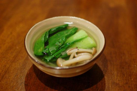 青梗菜としめじのスープ