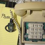 電話は最終手段、携帯があっても通話はしない。