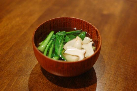 青梗菜とエリンギのすまし汁