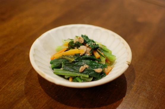 小松菜とにんじんのオイル蒸し