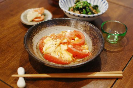トマトと卵の炒めもの献立
