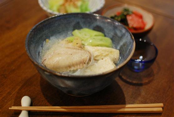 凍り豆腐と手羽先の煮もの献立