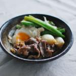 葉玉ねぎのすき煮、蕪の葉とえのきのおろし和え献立。