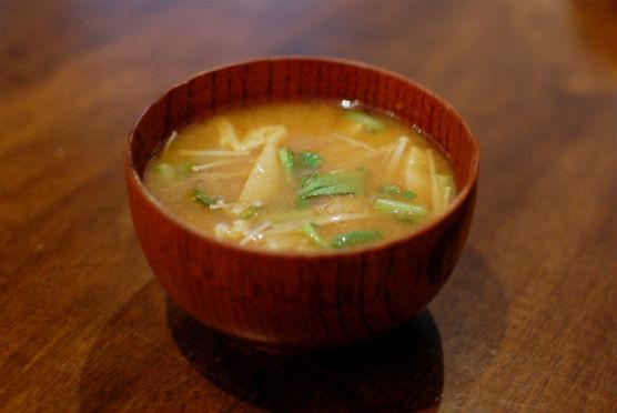 えのきと揚げの味噌汁