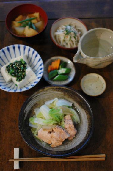 秋鮭と白菜のしょうが蒸し、にら奴献立