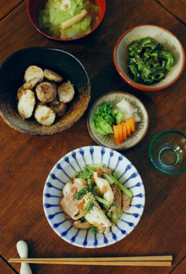 かぶと豚肉の梅炒め、小さい里芋の蒸し焼き