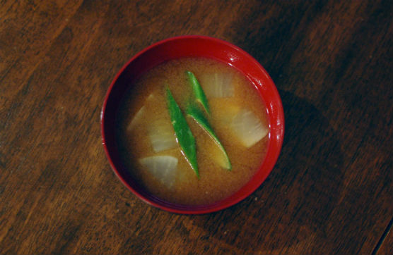 大根とねぎの味噌汁