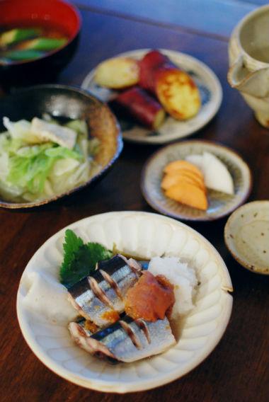 秋刀魚の梅昆布蒸し、塩焼き芋献立