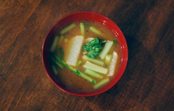 大根と蕪の葉の味噌汁