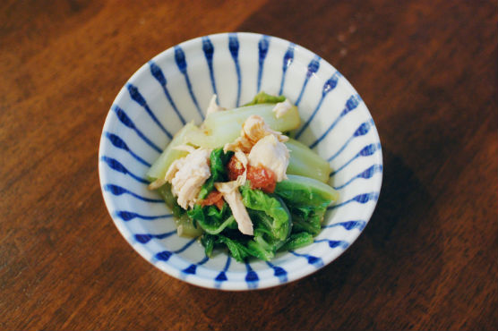 白菜と蒸し鶏の梅和え