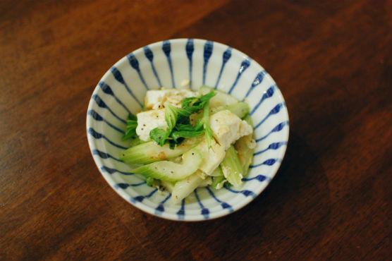 セロリと豆腐の炒めもの
