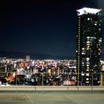 夜景をチラ見で地獄どうふ。大阪新世界はしご酒ツアー後編。
