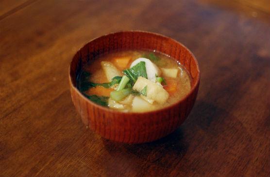 にんじんと里芋の味噌汁