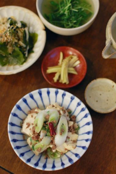 豆腐とひき肉の炒めもの献立
