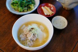 肉団子と大根の味噌汁