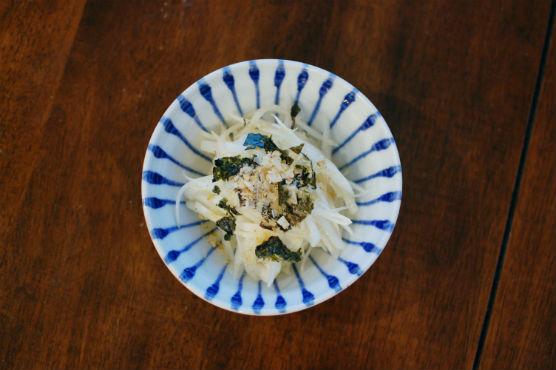 新玉ねぎの海苔サラダ