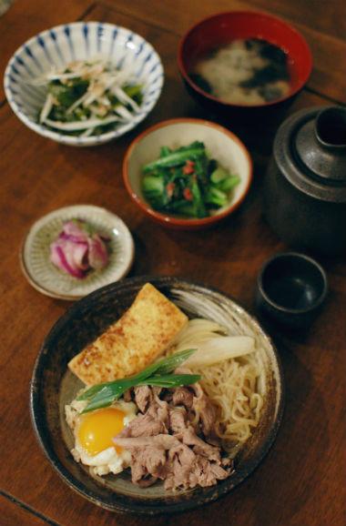 自家製焼き豆腐で牛すき煮