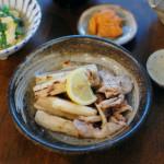 豚肉とれんこんの塩焼き、にらの卵とじ献立。