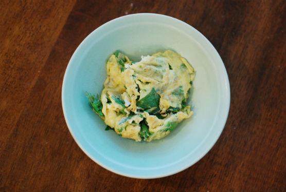 セロリと卵の炒めもの