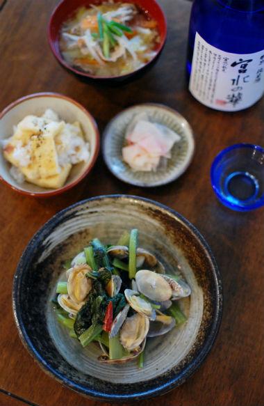 あさりと小松菜のオイル蒸し、豚と野菜のごま味噌汁献立