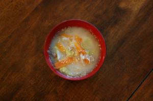野菜と豚肉のごま味噌汁
