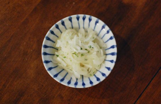 新玉ねぎのサラダ