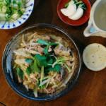 牛肉の柳川煮、キャベツのねぎ塩和え献立。