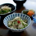 セロリと豆腐の炒めもの、きのこと三つ葉のおひたし献立。