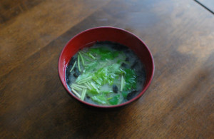 三つ葉と海苔の味噌汁