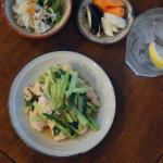 鶏むね肉と小松菜のしょうが炒め、ししとうのしらすおろし和え献立。