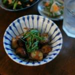 なすの味噌炒め、小松菜とツナの塩昆布和え献立。
