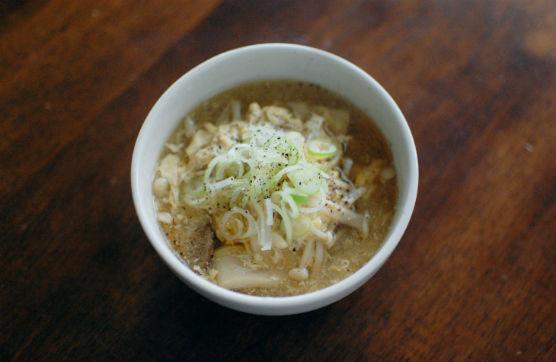 きのこと卵の黒酢スープ
