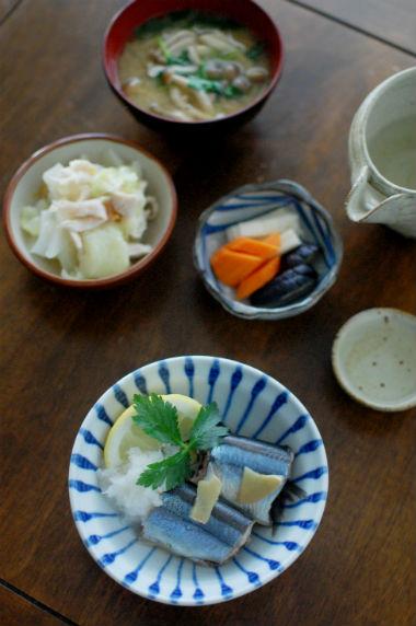秋刀魚のしょうが蒸し、キャベツと蒸し鶏の梅わさび和え献立