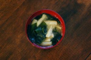 わかめと油揚げの味噌汁