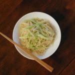 香港・上環 安利製麺の鶏蛋麺でねぎ焼きそば。