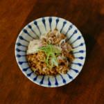 鯖納豆、さつまいもと半熟卵の温サラダ献立。