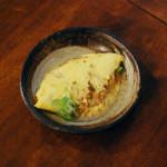 納豆チーズオムレツ、きくらげと豆腐のスープ献立。