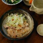 豚ロースの梅ねぎ焼き、きのこと水菜のおひたし献立。