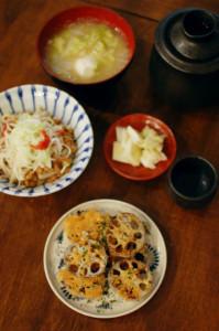 れんこんチーズ焼き、梅えのき納豆で晩酌