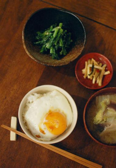 「普通に」美味しい、味噌汁とご飯の夕食