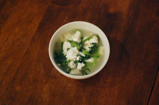 豆腐と春菊のスープ