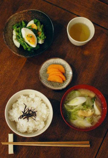 菜の花の卵和え、白菜と油揚げの味噌汁献立