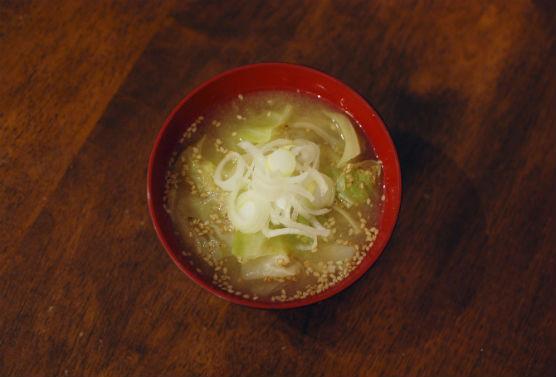 野菜のごま味噌汁