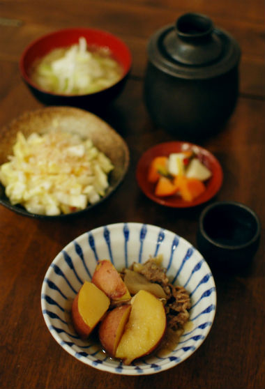 肉じゃが、白菜の梅おかか和え献立