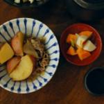 はちみつ肉じゃが、生白菜の梅おかか和え献立。